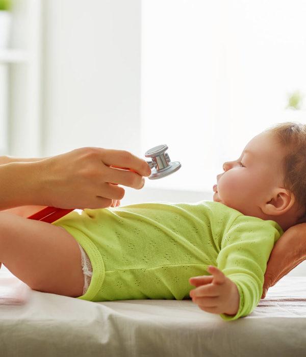 doctor-examining-a-baby-PAMPL5K